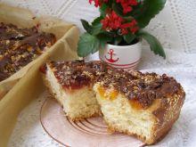 Drożdżowe ciasto morelowo śliwkowe