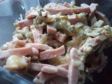 Mortadelowa sałatka z ogórkiem