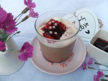 Mrożona kawa z lodami i jagodową nutką