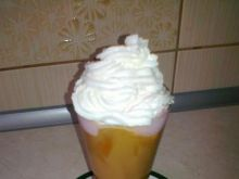 Mrożona kawa z lodami malinowymi