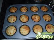 Muffinki cytrynowe z białą czekoladą