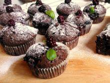 Muffinki czekoladowe z jeżynami