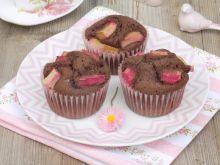 Muffinki kakaowe z rabarbarem