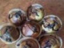 Muffinki marmurkowe z jagodami