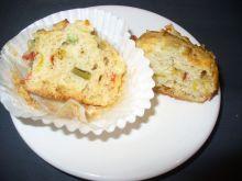 Muffinki na słono z warzywami