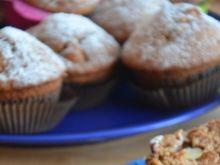 Muffinki pełnoziarniste z jabłkami
