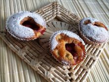 Muffinki rabarbarowe z truskawka