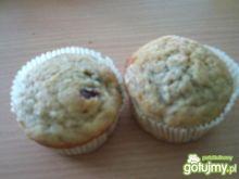 Muffinki z bananami i białą czekoladą