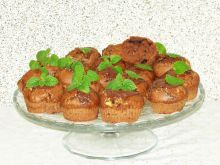 Muffinki z białą i czarną czekoladą
