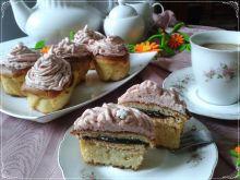Muffinki z delicjami i kremem