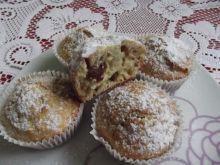 Muffinki z jabłkami i rodzynkami