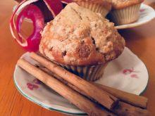 Muffinki z jabłuszkiem i cynamonem