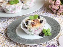 Muffinki z jagodami i marcepanem