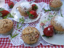 Muffinki z kardamonem i truskawkami