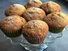 Muffinki z kaszą manną, jabłkiem i cytryną