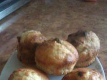 Muffinki  z kokosem rodzynkami i bananem