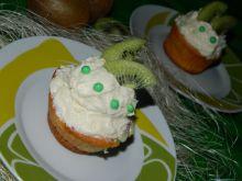 Muffinki z kremem budyniowym i kiwi