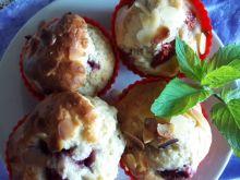 Muffinki z malinami i migdałami