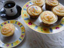 Muffinki z pomarańczową nutą