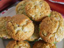 Muffinki z rabarbarem i chia