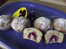 Muffinki z rabarbarem i malinką