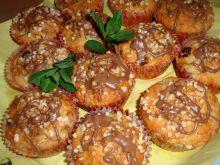 Muffinki z rabarbarem i migdałami