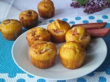 Muffinki z rabarbarem i nutką cynamonu