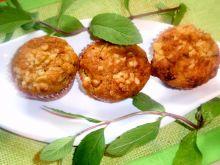 Muffinki  z rabarbarem i siekanymi migdałami