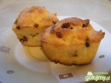 Muffinki z wędzonym bekonem