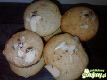 Muffiny cynamonowo-migdałowe
