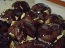 Muffiny czekoladowe z jabłkami