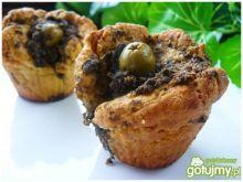Muffiny drożdżowe z pesto