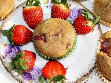 Muffiny grahamki z truskawkami