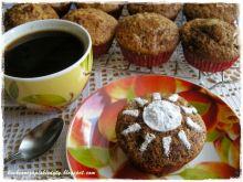 Muffiny maślankowe z jabłkami i cynamonem