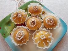 Muffiny nadziewane masłem orzechowym