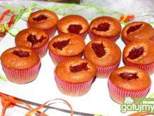 Muffiny orzechowo malinowe