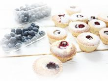 Muffiny śmietankowe z borówkami