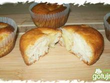 Muffiny z ananasami na jogurcie