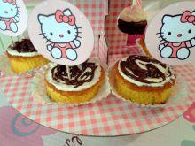 Muffiny z czekoladową niespodzianką