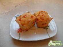 Muffiny z czerwoną marynowaną papryką