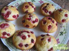 Muffiny z czerwoną porzeczką
