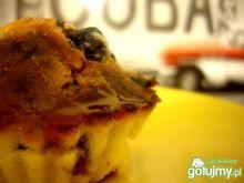 Muffiny z jagodami i malinami