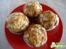 Muffiny z masą marcepanową
