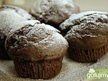 Muffiny z powidłami śliwkowymi i kakao