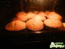 Muffiny z rodzynami..