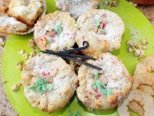 Muffiny z suszonymi jabłkami nadziewane twarożkiem