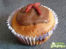 Muffiny z wiśniowym nadzieniem