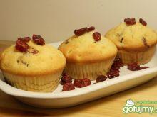 Muffiny z żurawiną i brzoskwinią
