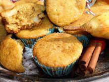 Muffiny żytnio-kukurydziane z gruszką i cynamonem