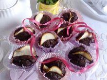 Muffinki brownie z jabłkiem i suszoną żurawiną